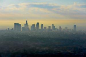 nebbioso skyline di los angeles foto