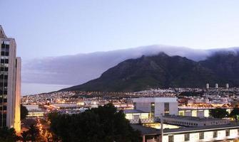 nebbia sopra la montagna della tavola foto