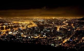 scena notturna di città del capo foto