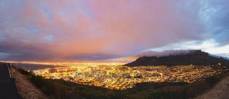 panorama di Cape Town e table mountain foto