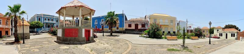 praça di fronte alla camara municipal de saõ filipe