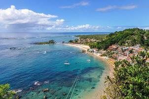 vista della prima spiaggia di morro de sao paulo, brasile foto