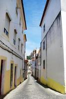 vecchia strada nella città di portalegre. foto