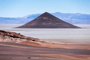 cono de arita, salta, argentina foto