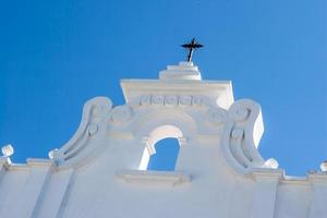facciata della chiesa coloniale