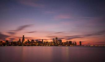 Skyline di Chicago al tramonto - Planetario Adler. foto