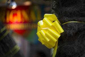 nastro giallo in onore delle nostre truppe foto