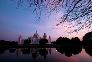 edificio memoriale-punto di riferimento di Victoria di Calcutta, in India foto