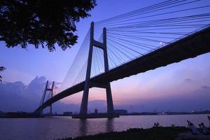 meraviglioso scatto di phu my bridge. foto