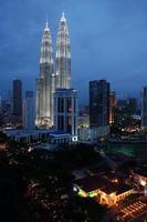Torri gemelle Petronas a Kuala Lumpur, Malesia. foto
