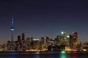 skyline di Toronto al crepuscolo con copyspace foto