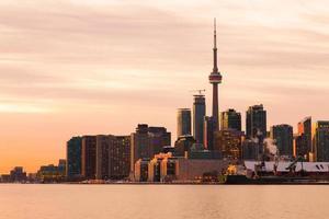 parte dello skyline di Toronto da est al tramonto