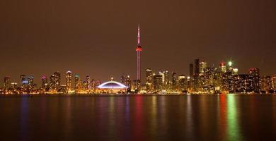 skyline notturno di Toronto foto
