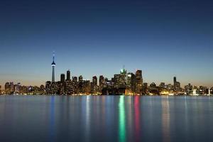 paesaggio urbano di Toronto al crepuscolo foto