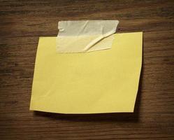 carta per appunti sull'affare della parete di legno foto