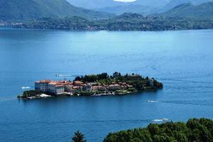 isola bella lago maggiore in italia foto