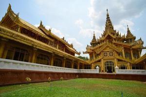 kambawzathardi golden palace (palazzo di bayinnaung) a bago, mya foto