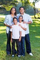 giovane famiglia indiana foto