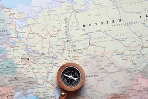 destinazione di viaggio mosca russia, mappa con bussola foto