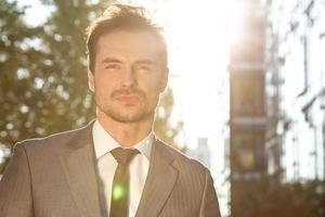 uomo d'affari attraente foto