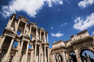 Biblioteca di Celso nel Museo di Efeso, in Turchia foto