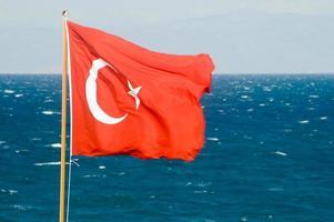 bandiera turca e tempesta foto