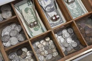 cassetto dei soldi vintage foto