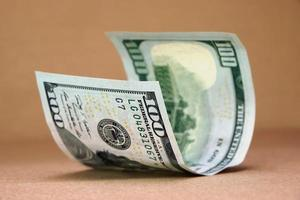 nuova banconota da cento dollari USA foto