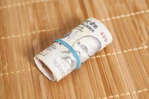 rotolo di rupie indiane foto