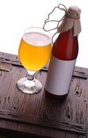 bottiglia di birra artigianale foto