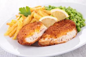 pollo e patatine fritte foto
