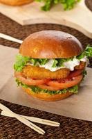 hamburger di pesce foto