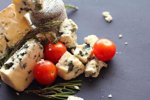 composizione di formaggio roquefort foto