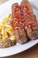 hot dog alla griglia foto
