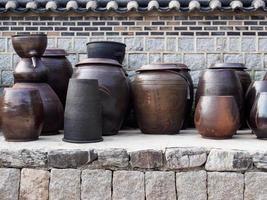 vasetti di kimchi foto