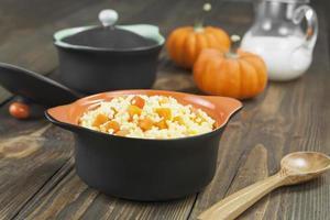 porridge di miglio con zucca foto