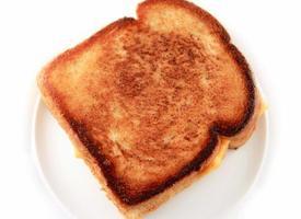 formaggio grigliato bruciato foto