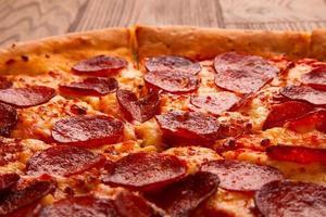 deliziosa pizza fresca