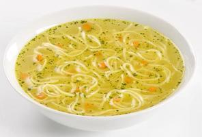 zuppa di pollo con tagliatelle foto