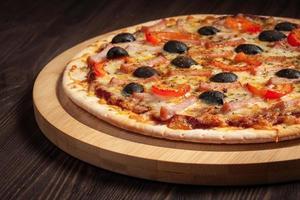 pizza al prosciutto foto