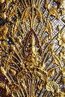 immagine di buddha scultura tailandese foto
