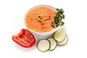 borsch ucraino, zuppa di barbabietole rosse foto