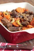 carne di agnello e stufato di verdure foto