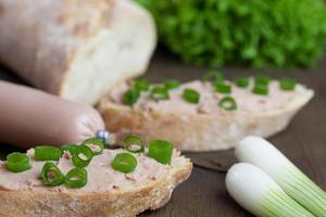 baguette mit deftiger leberwurst foto