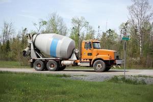 camion di cemento foto