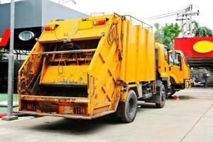 camion della spazzatura foto