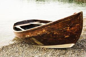 vecchia barca a remi foto