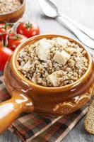 porridge di grano saraceno con carne foto