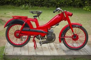 vecchia moto d'epoca foto