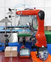 braccio robotico articolato foto